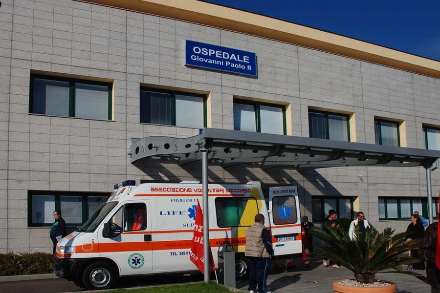 Olbia. 13-2-2012. L'ingresso dell'Ospedale Giovanni Paolo secondo. Foto Antonio Satta.