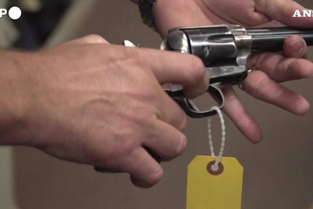 Omicidio sul set: l'inchiesta scagiona Alec Baldwin