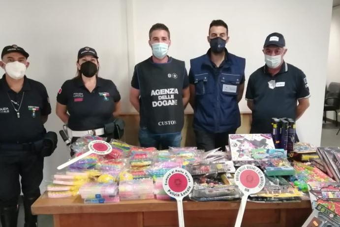 """Operazione antifrode a Porto Torres: sequestrati 160 giocattoli """"pericolosi"""""""