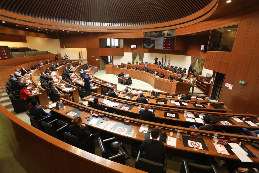 Legge omnibus,stanziati 24 milioni per i roghi nell'Oristanese
