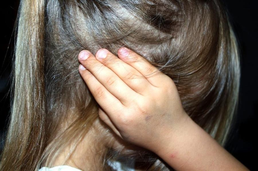 Bimba di undici anni stuprata dal branco e uccisa: tra i 5 arrestati anche lo zio - L'Unione Sarda.it