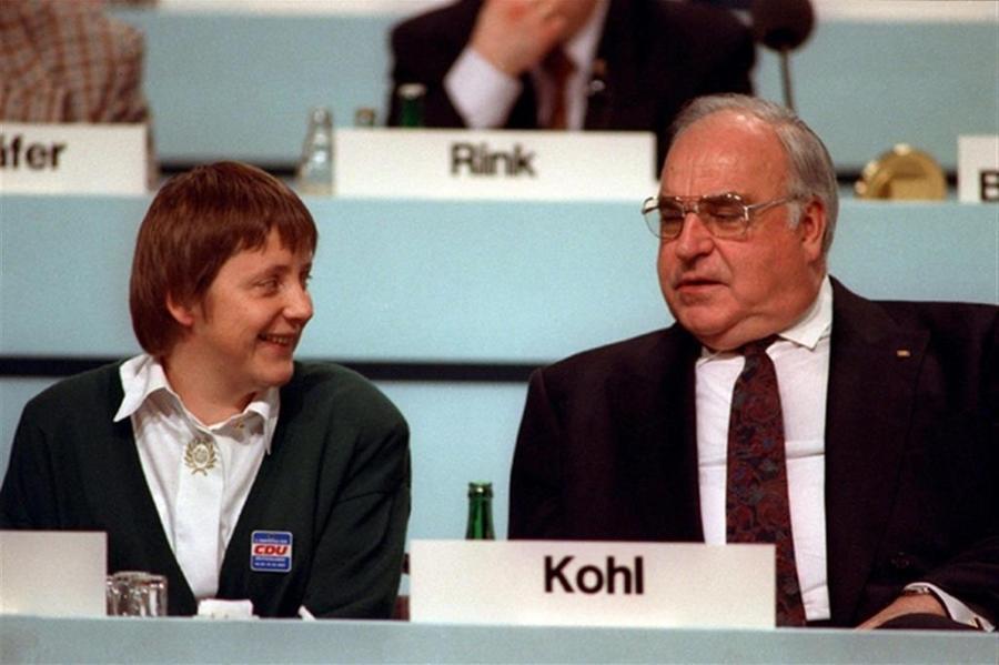 "\""La ragazza\"" con Helmut Kohl (Ansa)"