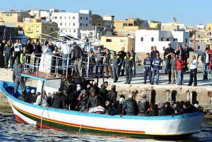 Ventidue migranti dispersi al largo di Lampedusa