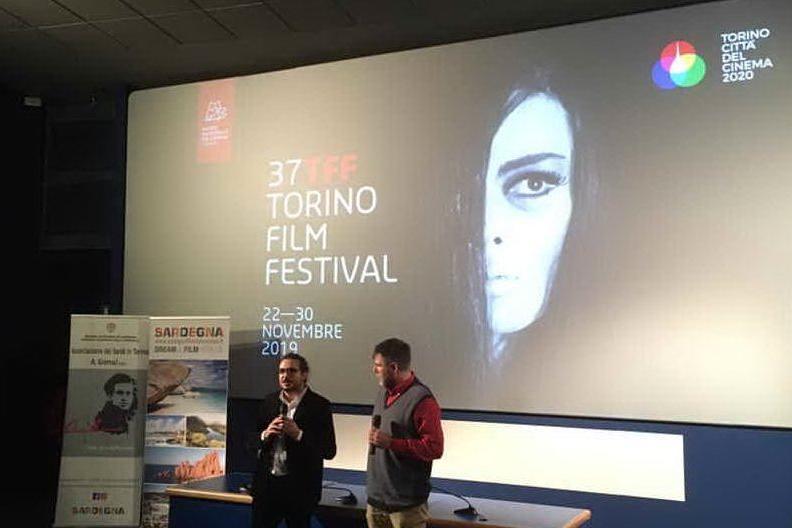 """""""Fango Rosso"""", successo di pubblico per la prima del film di Alberto Diana"""