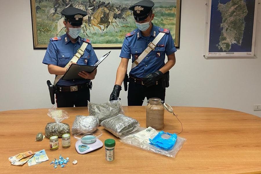 Olbia, 43enne incensurato spacciava marijuana e cocaina