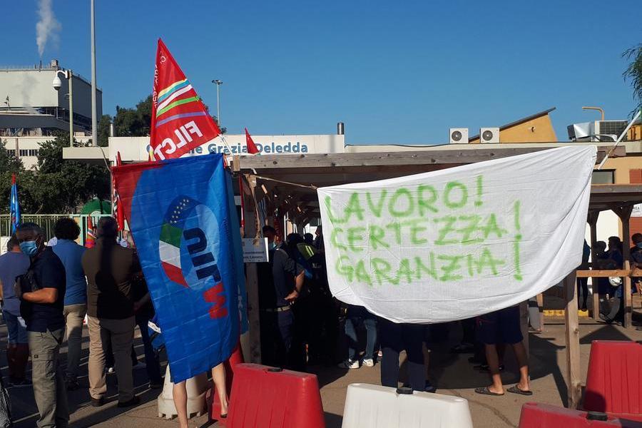 """""""La centrale non si tocca"""", a Portovesme assemblea dei lavoratori Enel e appalti"""