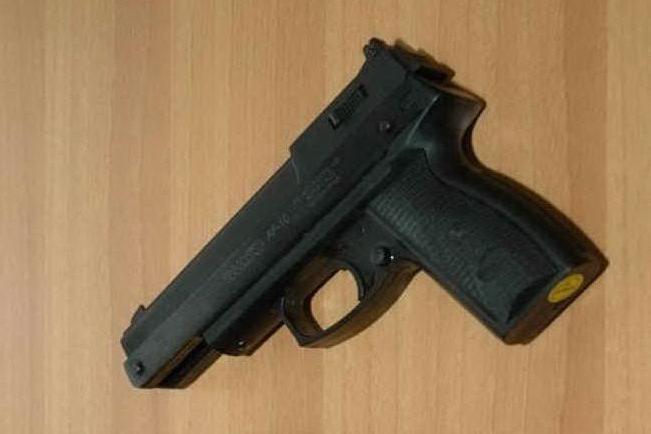 Agente di polizia spara e uccide un ragazzo di 16 anni