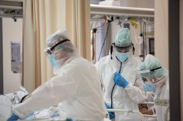 Il virus corre e colpisce i giovani:23enne non vaccinata in terapia intensiva