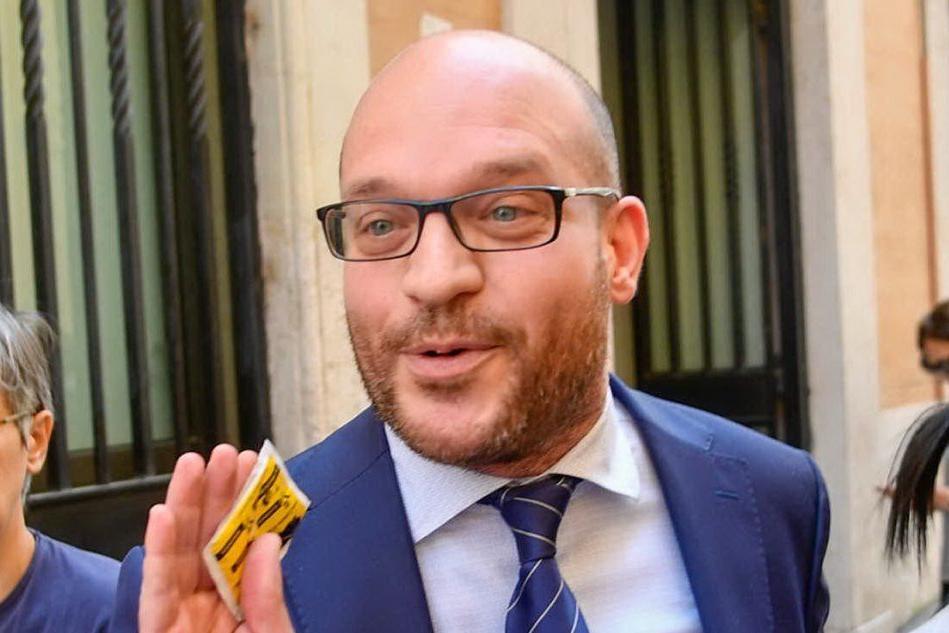 """Fontana, il neoministro della Famiglia contro le unioni gay: """"Vogliono cancellare il nostro popolo"""""""