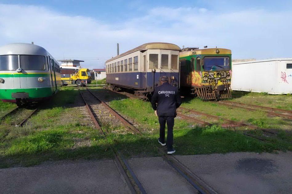 Sequestrate trenta carrozze storiche nelle stazioni sarde