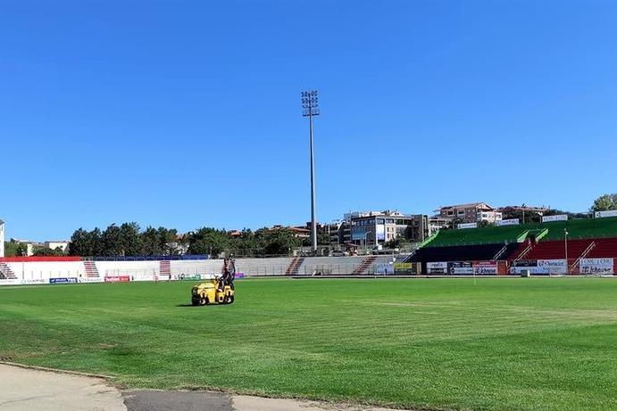 Lo stadio di Sassari si fa bello per la Torres