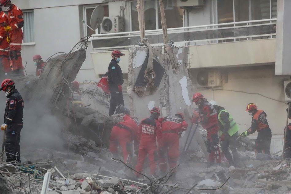 Sisma Egeo, concluse le ricerche tra le macerie: il bilancio è di 114 vittime