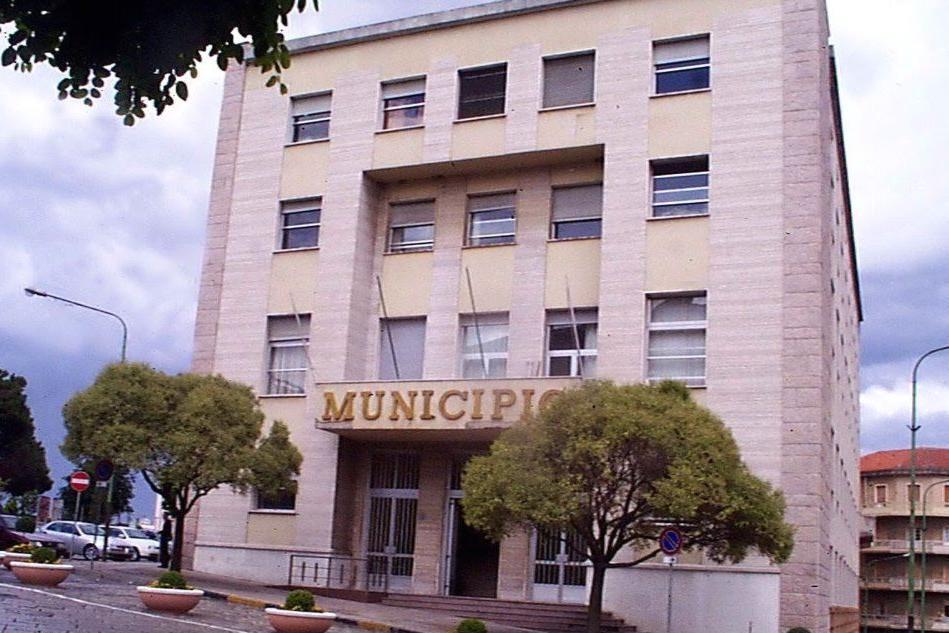 Il municipio di Nuoro (Archivio L'Unione Sarda)
