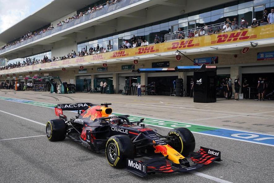 Verstappen vince il Gran Premio di Austin e allunga su Hamilton, quarto Leclerc