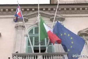 Al Quirinale bandiere a mezz'asta in ricordo delle vittime Covid