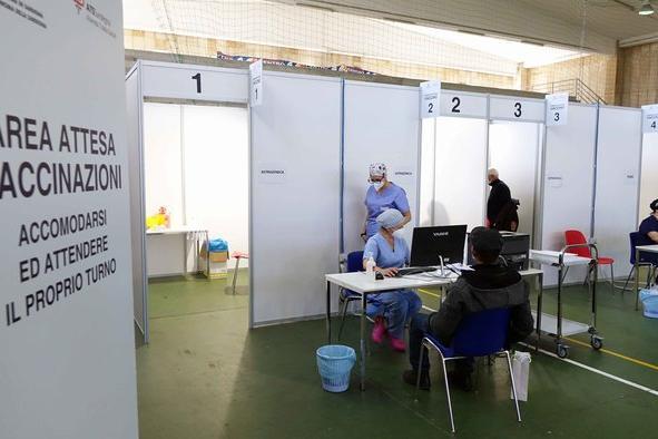 """Vaccini, la Sardegna raggiunge il 90% della copertura della popolazione """"over 12"""""""