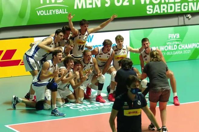 Cagliari, gli azzurrini del volley rimontano la Polonia da 0-2 e sono in finale ai Mondiali
