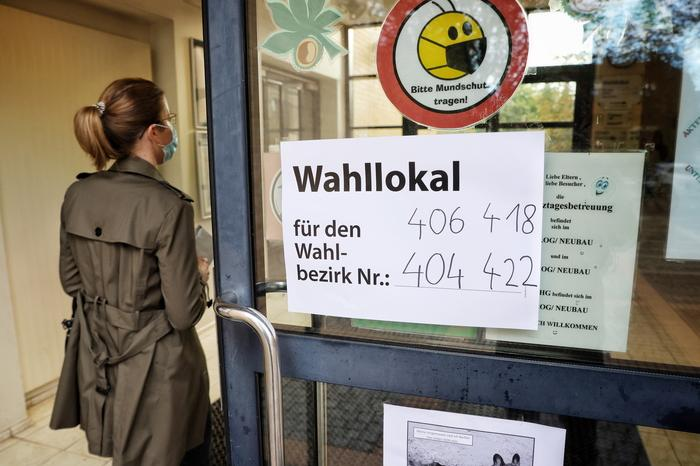 Chiuse le urne in Germania, per gli exit poll è testa a testa tra Spd e Cdu