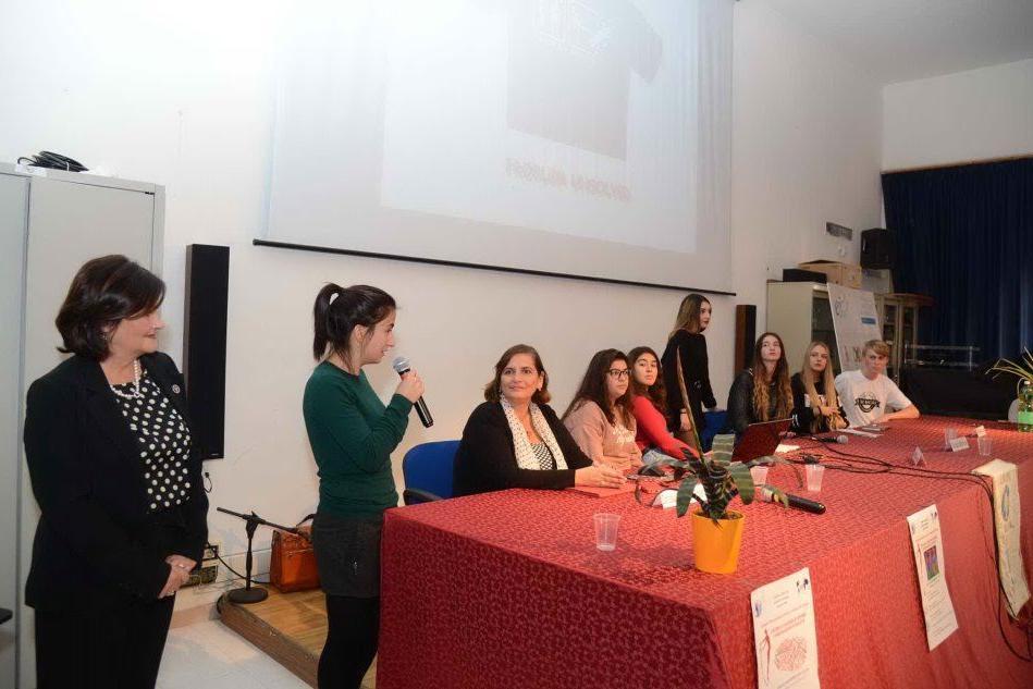 """Gli studenti del Gramsci di Olbia: """"Stop alla violenza di genere. Formare per fermare"""""""