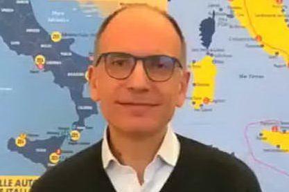 """Enrico Letta si candida alla segreteria del Pd: """"Io ci sono"""""""