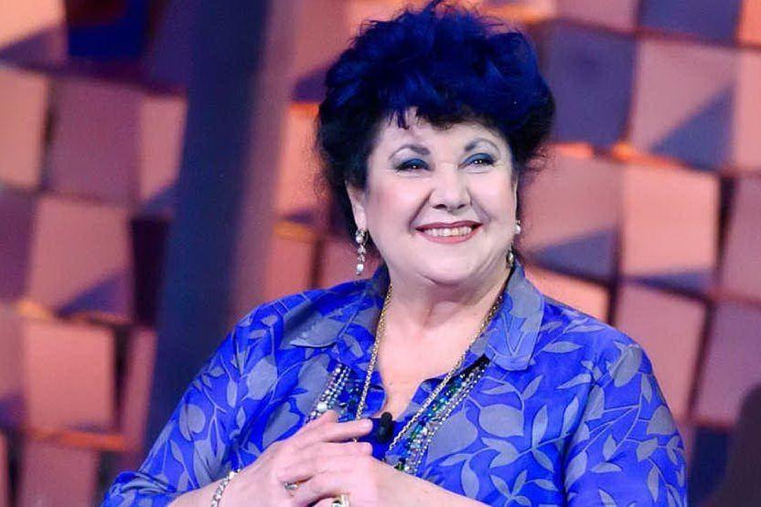"""Marisa Laurito compie 70 anni: la sua """"vita scapricciata"""" in un'autobiografia"""