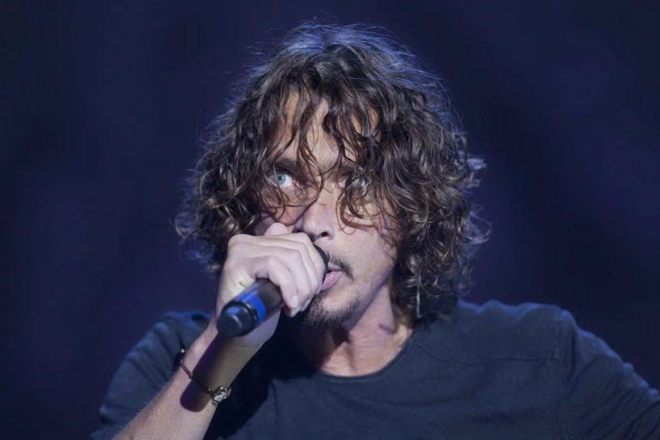 """Chris Cornell, la vedova fa causa al medico del cantante: """"Troppi farmaci"""""""