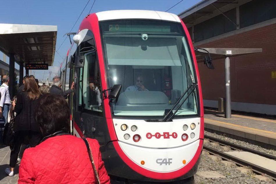 Metrocagliari compie 10 anni, l'inaugurazione di tre nuovi tram