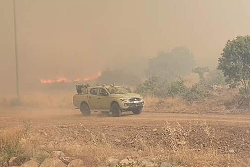 Un'immagine dell'incendio a Bonorva (foto Tellini)
