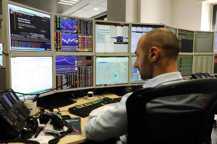 Borse europee in rialzo, a Piazza Affari bene le banche