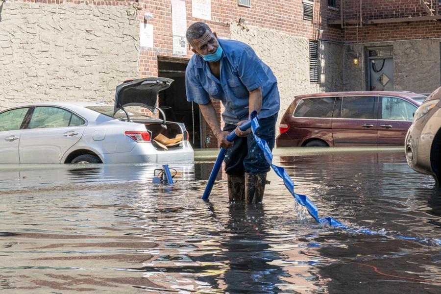 Uragano Ida, ancora in aumento il bilancio delle vittime. Strade come fiumi, trasporti paralizzati