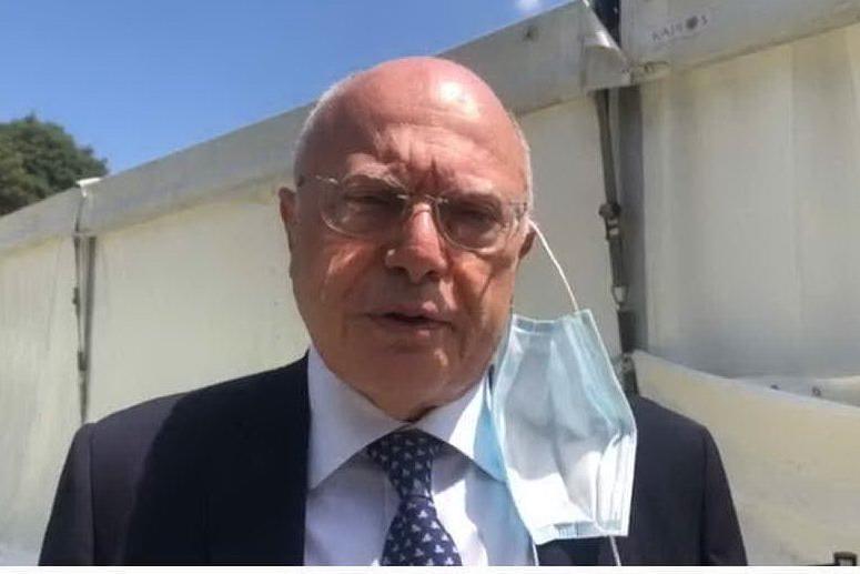 """Massimo Galli: """"Passaporto sanitario soluzione non sostenibile, scientificamente e praticamente"""""""