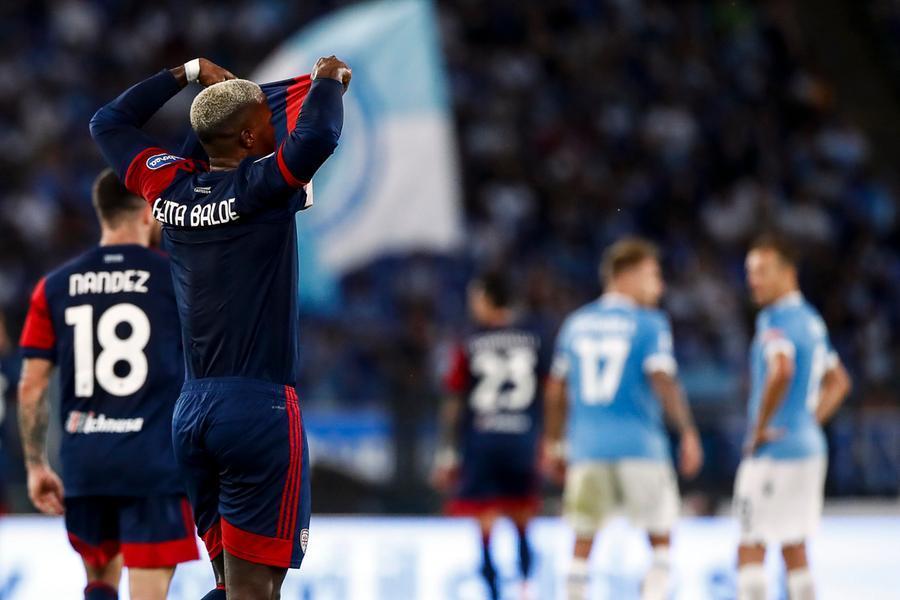 Il Cagliari di Mazzarri iniziacon un pareggio: contro la Lazio finisce 2-2