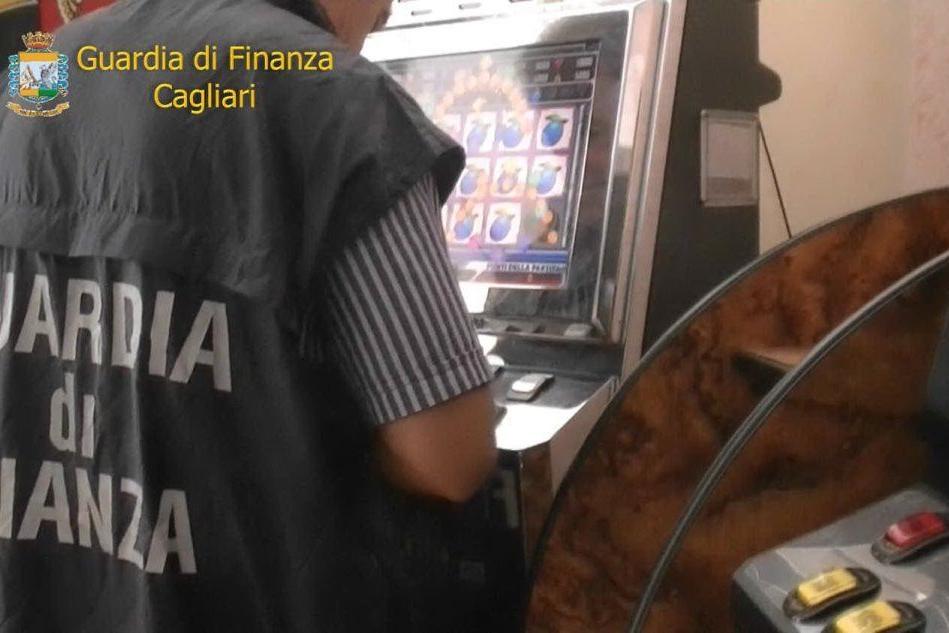 Slot machine irregolari a Cagliari e Assemini: due bar multati per migliaia di euro