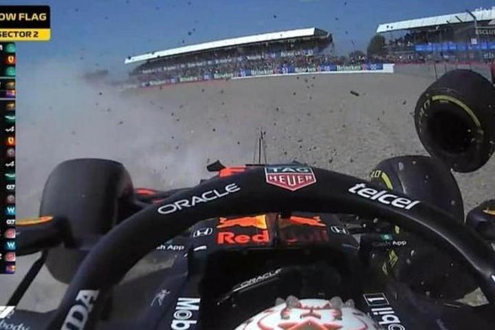 Formula 1, vince Hamilton. Seconda la Ferrari di Leclerc
