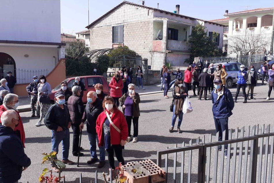 A Villanova Tulo manca il medico di base, la gente protesta