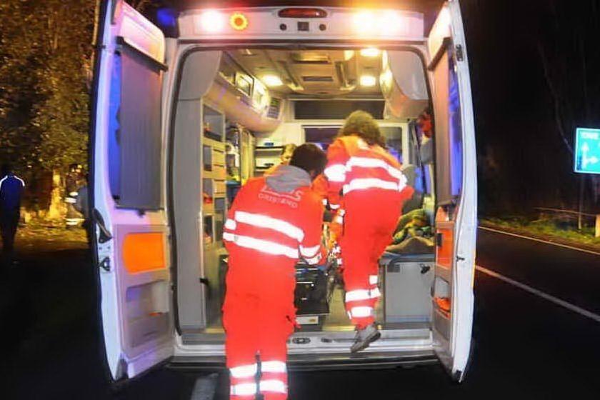 Precipita nel vuoto per 20 metri col furgone nel Savonese, grave un operaio sardo