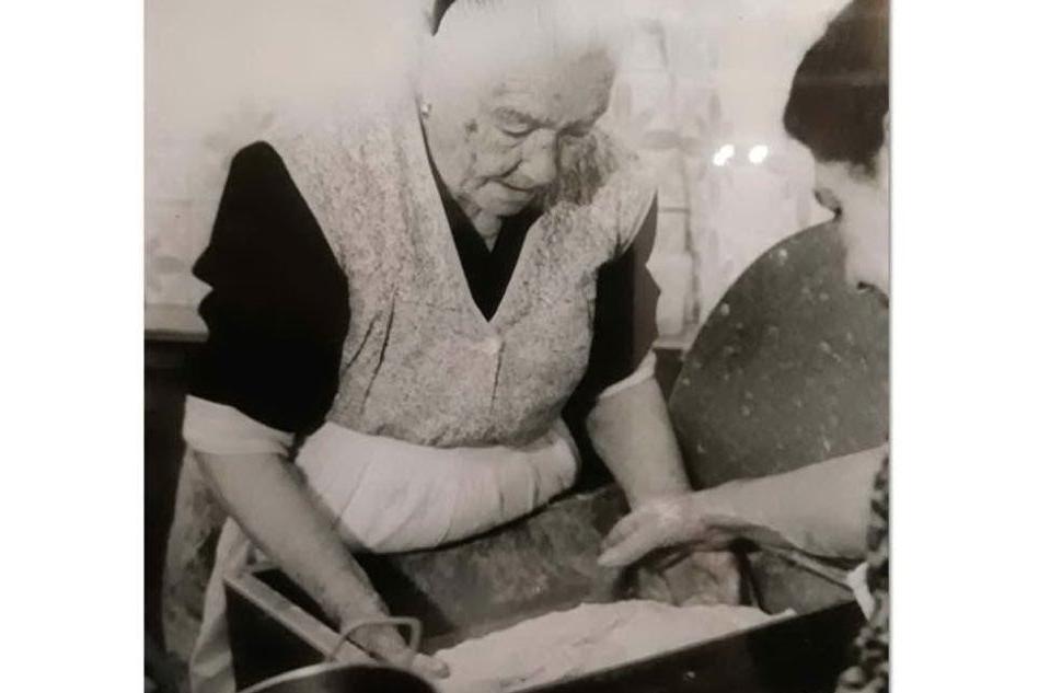 Tzia Maria di Nurri, l'ultracentenaria che svela i segreti del pane sardo