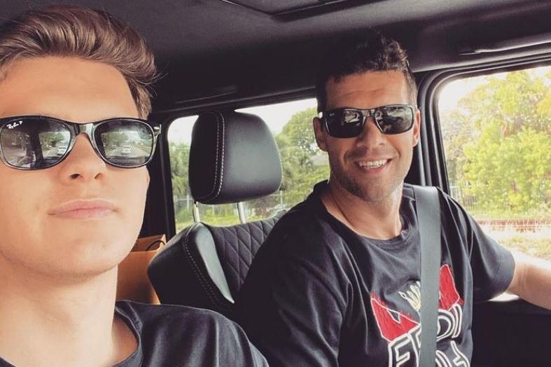 Michael Ballack e il figlio Emilio (foto Instagram)