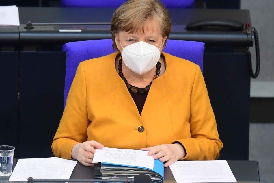 Lockdown rafforzato per Pasqua, Merkel ci ripensa e lo revoca