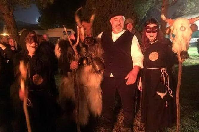 La tradizione del falò a Forlì con i Sardi in Romagna