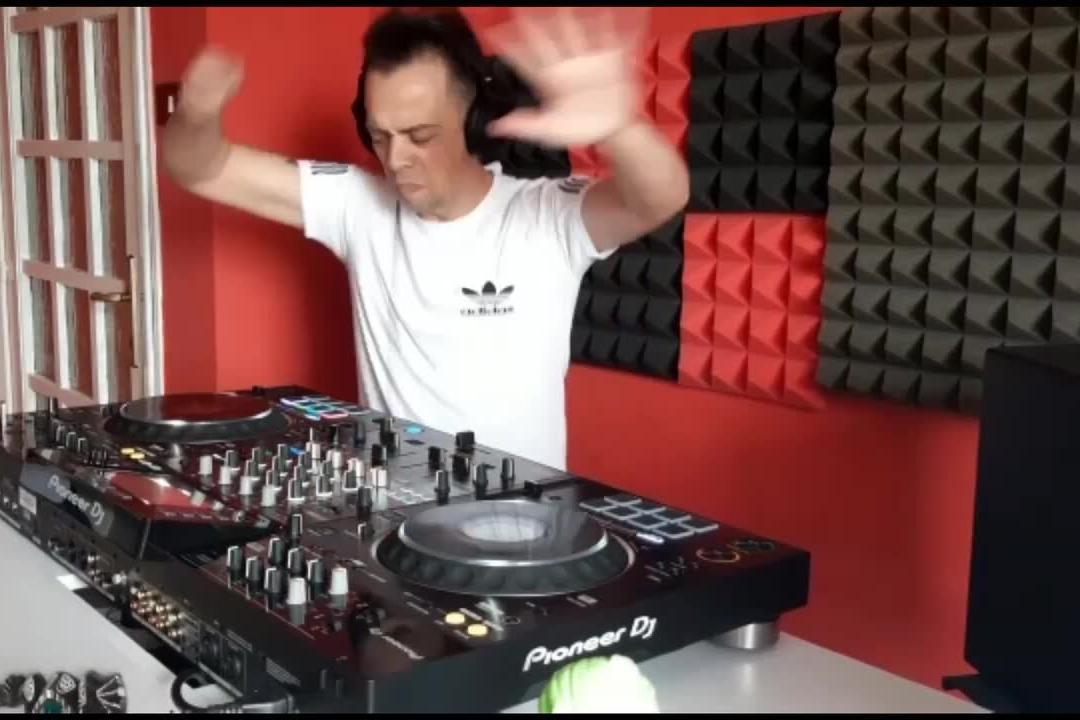 """Iglesias: dj Nicostyle alle finali del """"Tourmusicfest"""""""