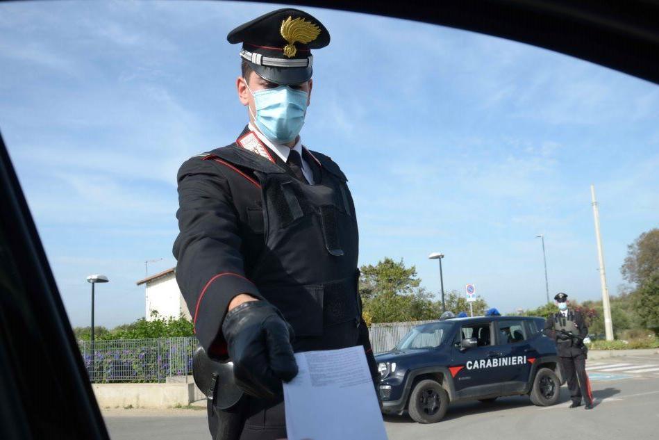 """""""C'è un'auto che va a zig zag sulla 125"""": 48enne ubriaco fermato dai carabinieri"""