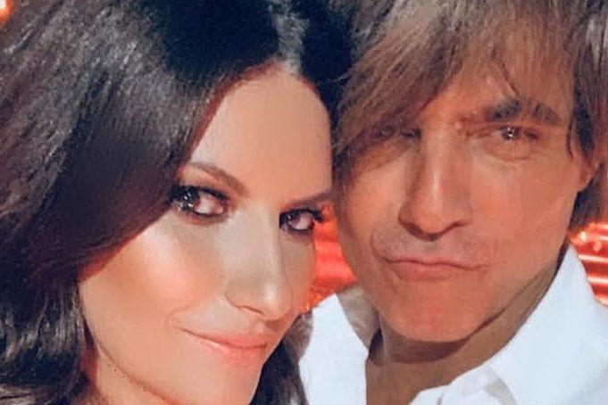 Laura Pausini e Paolo Carta: torte, cuori e palloncini per 16 anni d'amore
