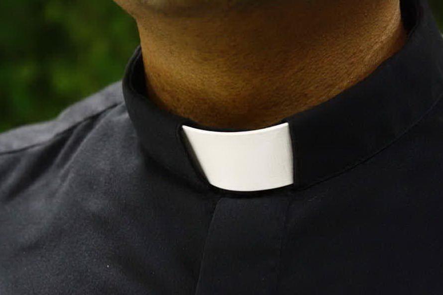 Abusi sessuali su minori, inchiesta sul parroco