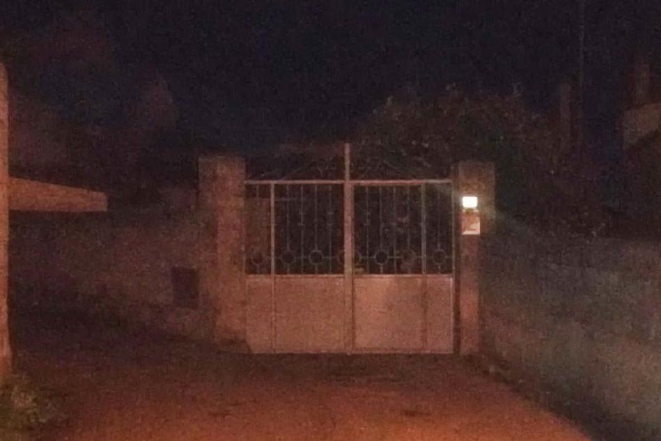 La casa dei tre anziani rapinati a Assolo (foto Antonio Pintori)