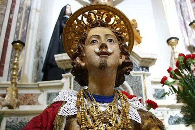 La storia di Sant'Efisio e della città in una suggestiva mostra a Cagliari