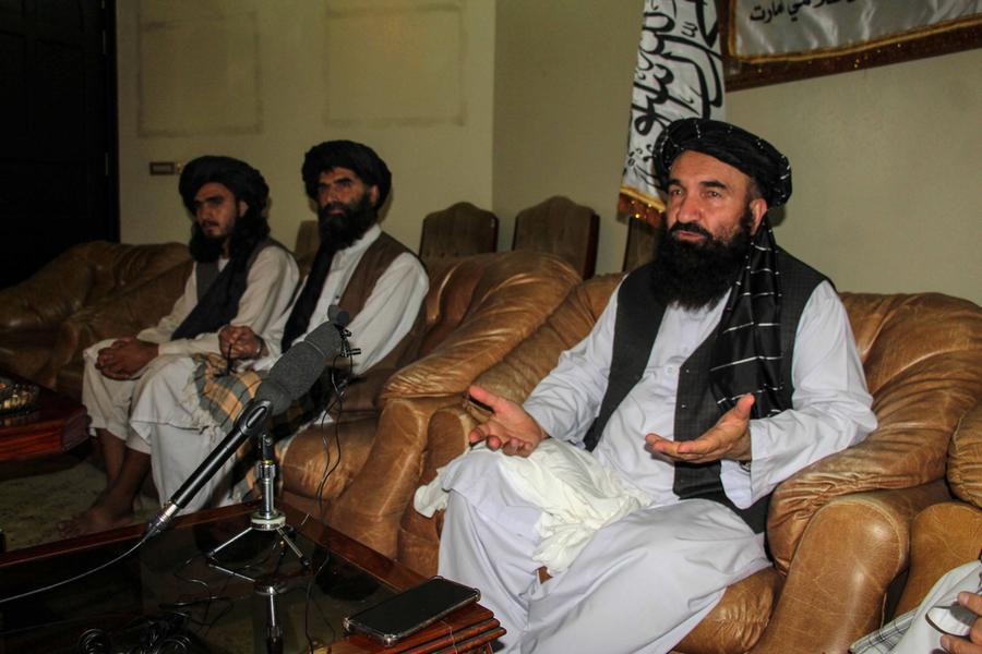 Facebook mette al bando i talebani, Twitter e YouTube stanno a guardare