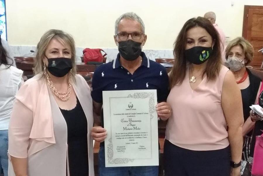 Carbonia, cittadinanza onoraria a Liliana Segre e benemerenza per Modesto Melis