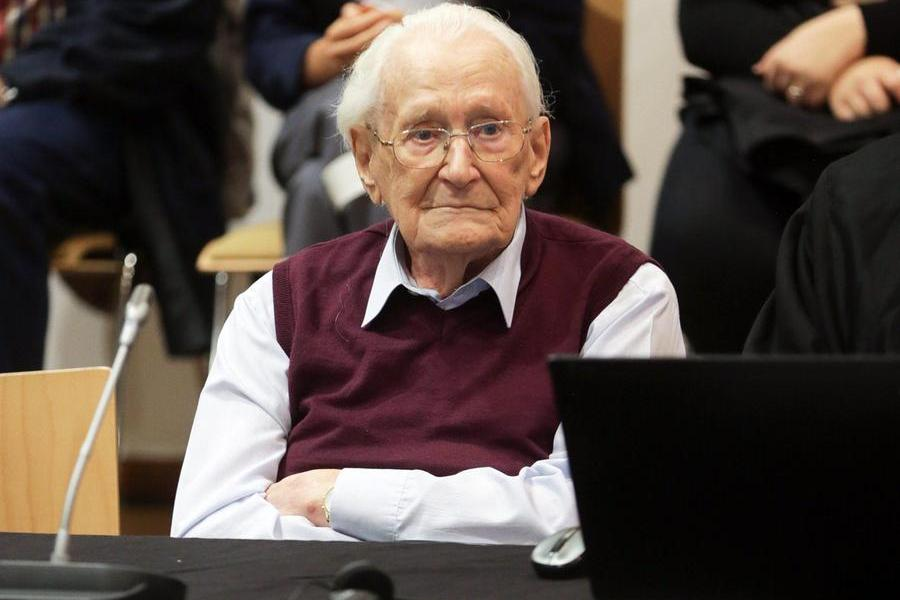 Oskar, i Cent'anni di rimorso del contabile di Auschwitz