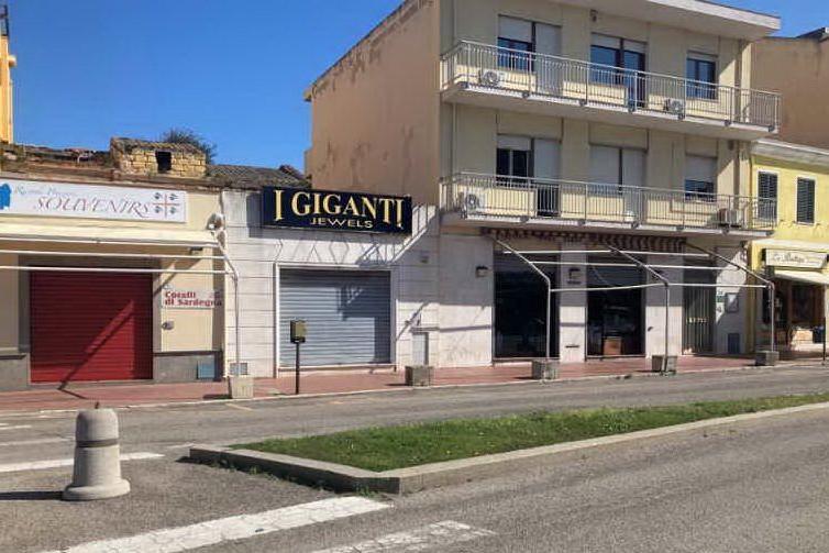 """Porto Torres, zona arancione: """"Costretti a mandare a casa il personale"""""""